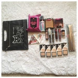 19 Piece Wet n Wild Cosmetics Bundle